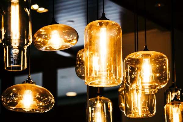 Jak dobrać odpowiednie oświetlenie sufitowe?