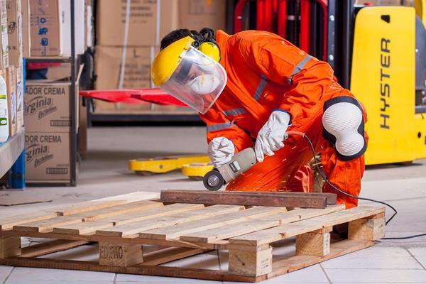 Co wpływa na bezpieczeństwo w miejscu pracy?